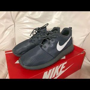 5a2539bb530cb Nike · Nike Roshe One Cool Grey White ...